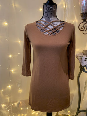 Caged Front 3/4 Length Sleeve Top in Coffee