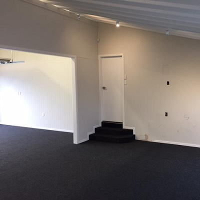 garage carpet and stairs