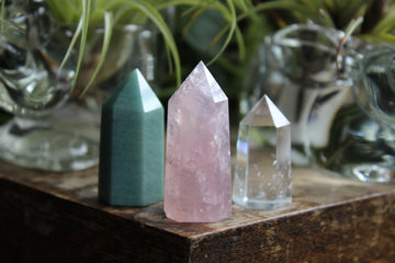 Rose quartz, aventurine and quartz tower set
