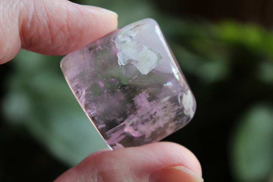 Polished pink kunzite 3