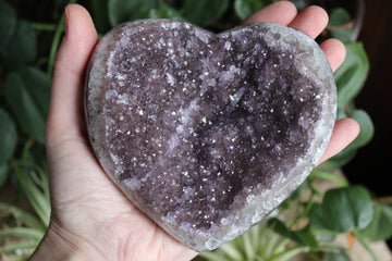 Amethyst cluster heart 14, new