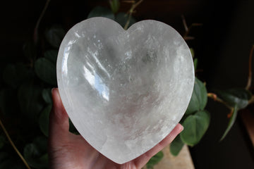 Clear quartz heart dish 2