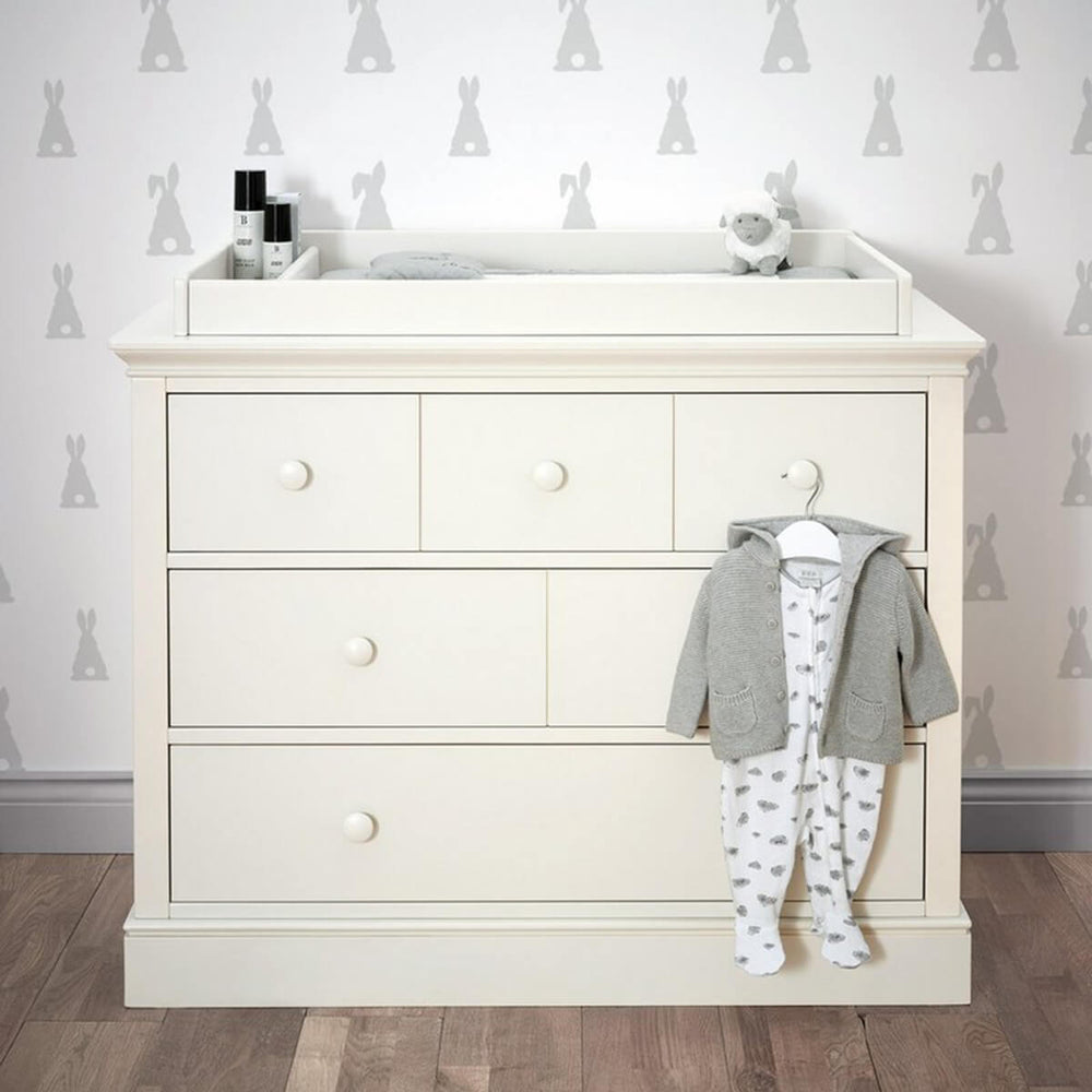 Mamas and Papas Oxford Bright White Dresser/ Changer