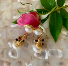 Load image into Gallery viewer, i me - Pearl and Toulamarine  Earring