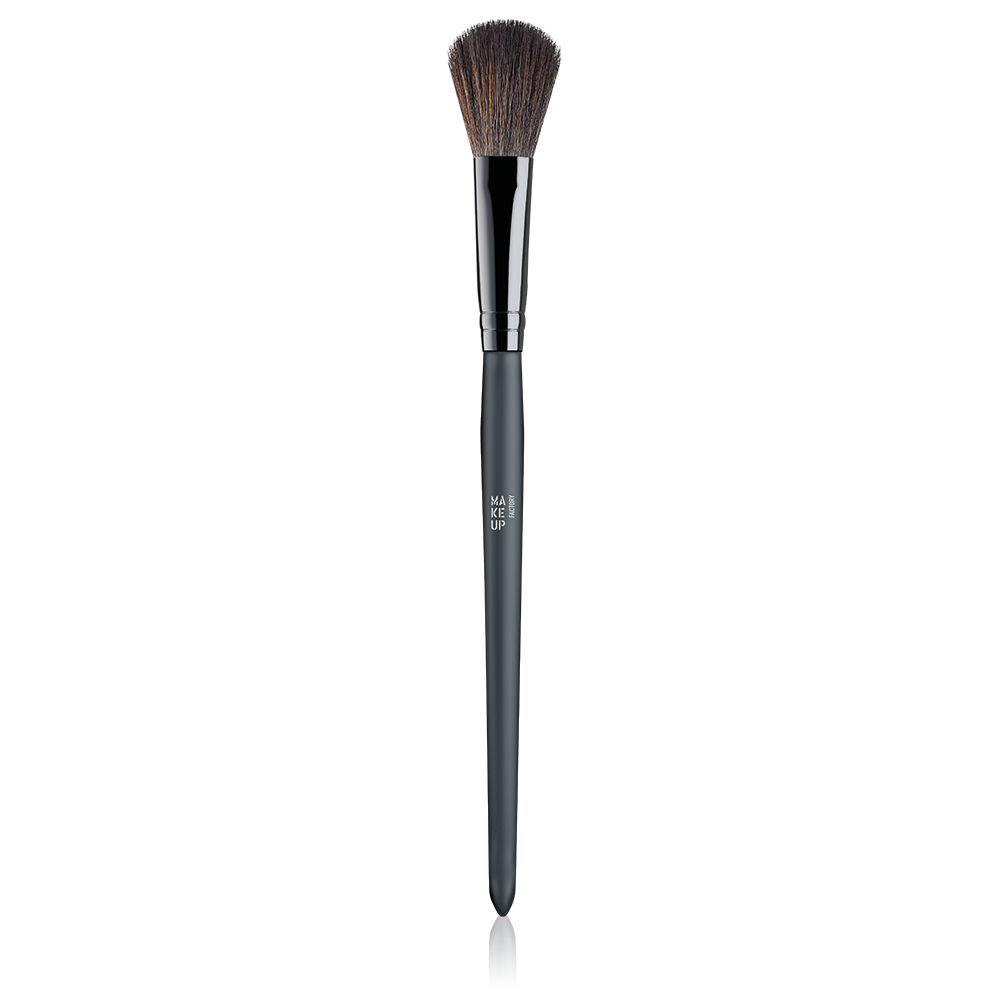 Make Up Factory Highlighter Brush فرشاة إضاءة