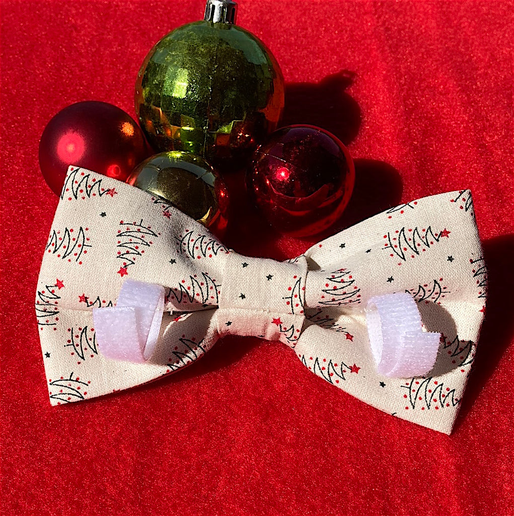 "Xmas Dog Bow Tie, Natural ""Graphic Xmas Trees"""