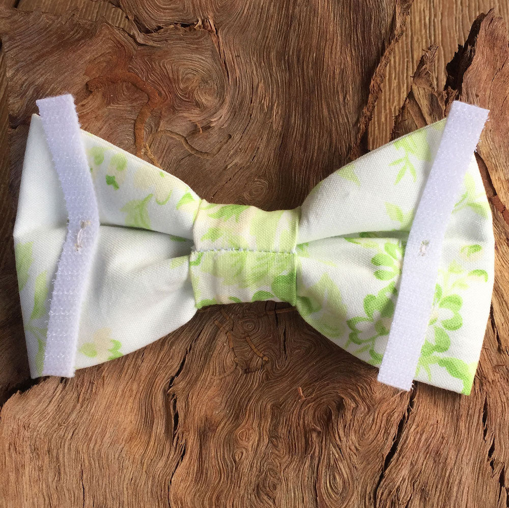 "Handmade Dog Bow Tie, ""Pale Green Tea Rose"""