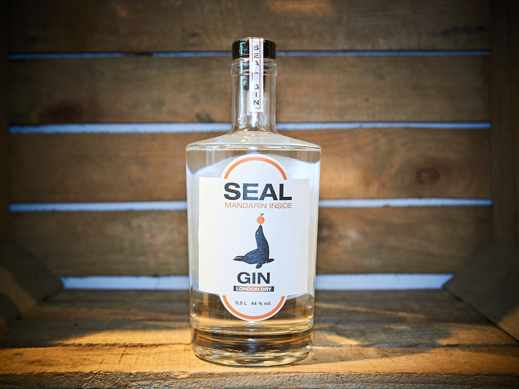 SEAL London Dry Gin - Mandarin Inside