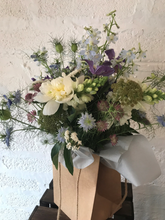 Load image into Gallery viewer, Seasonal Somerset Bouquet