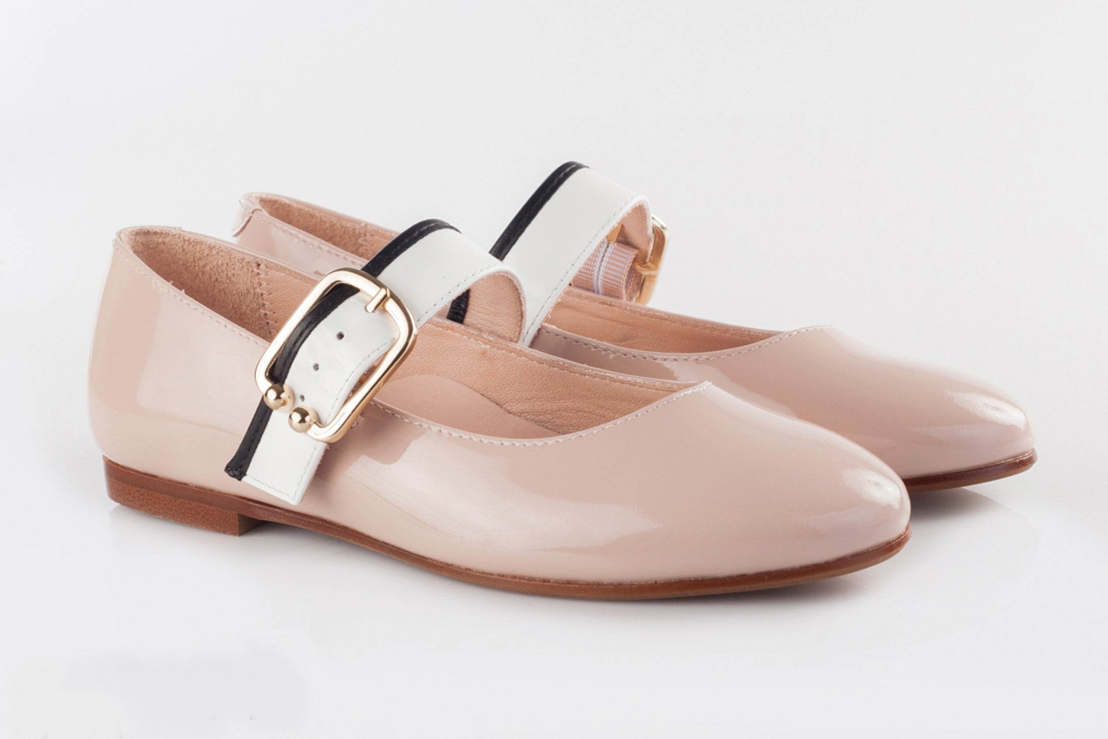 Beberlis Pink Patent Mary Jane with Buckle