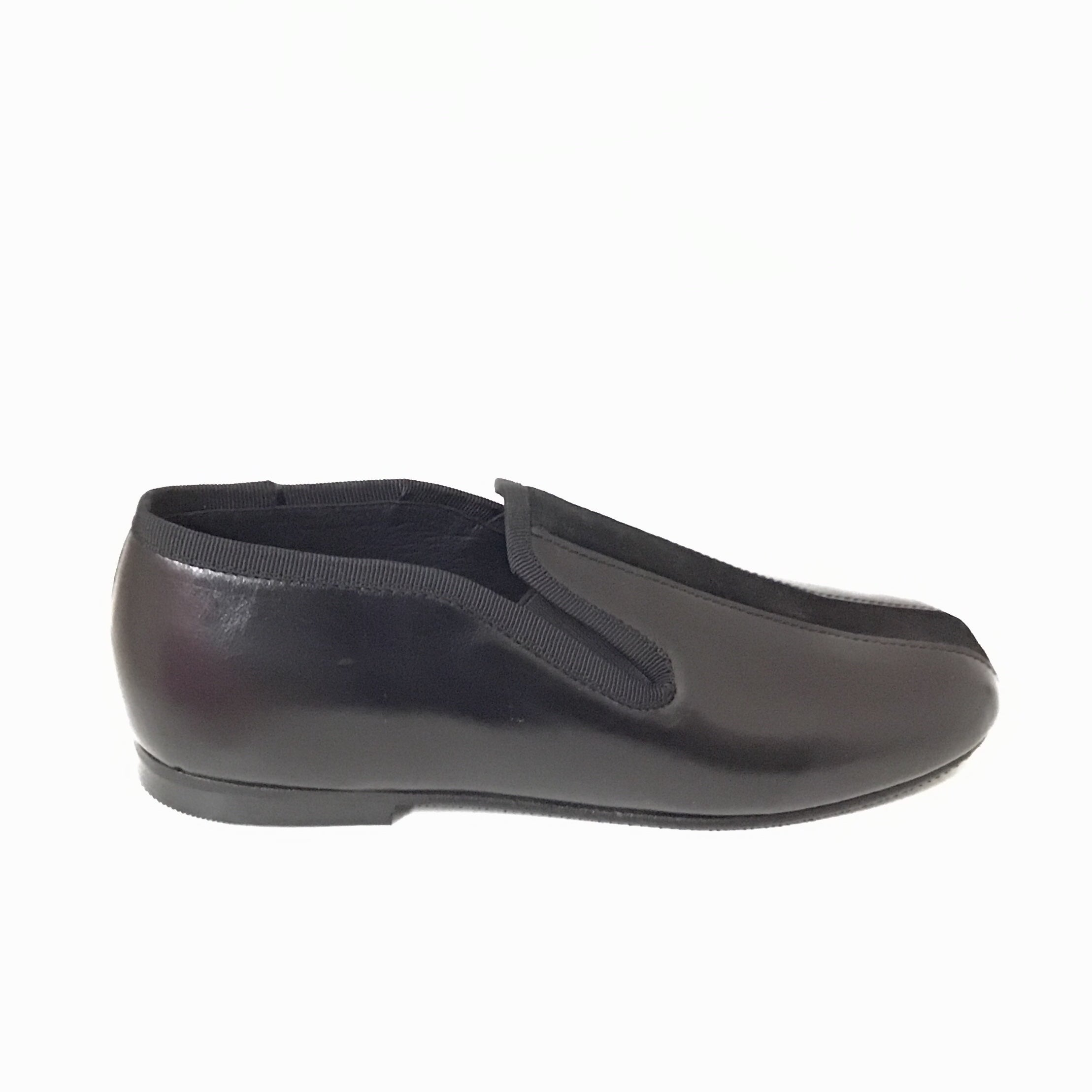 Luccini Black Slip On with Black Suede Center