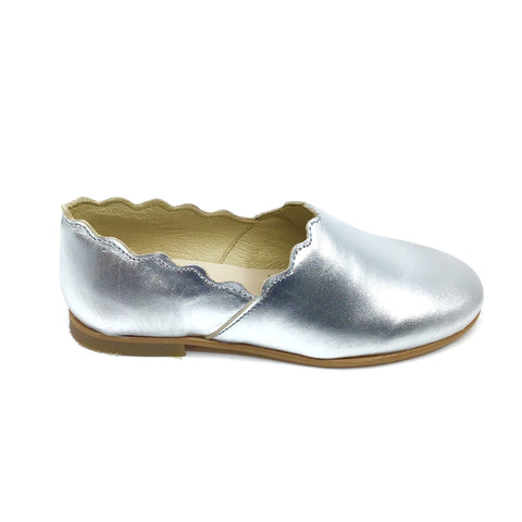 Luccini Silver Scalloped Slip On
