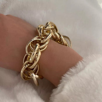 MULTI LAYERED TWIST GOLDEN CHAIN BRACELET
