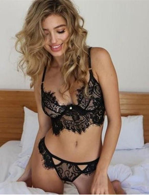 Strappy Lace Bralette & Thong Set - Missbodybra