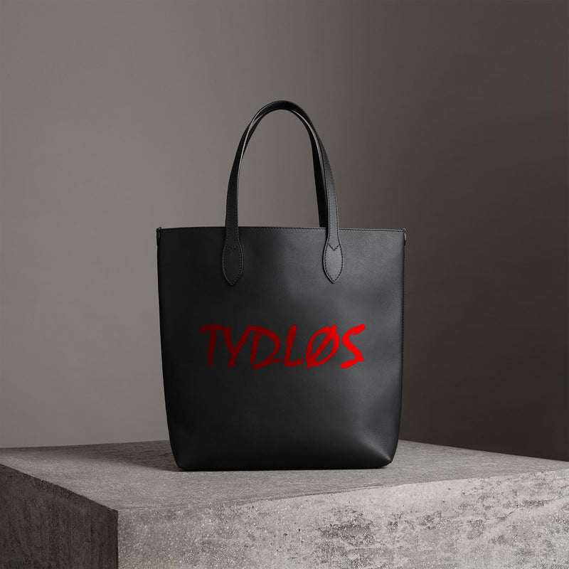 Tydløs-logo-shoulder-bag-black-jpeg