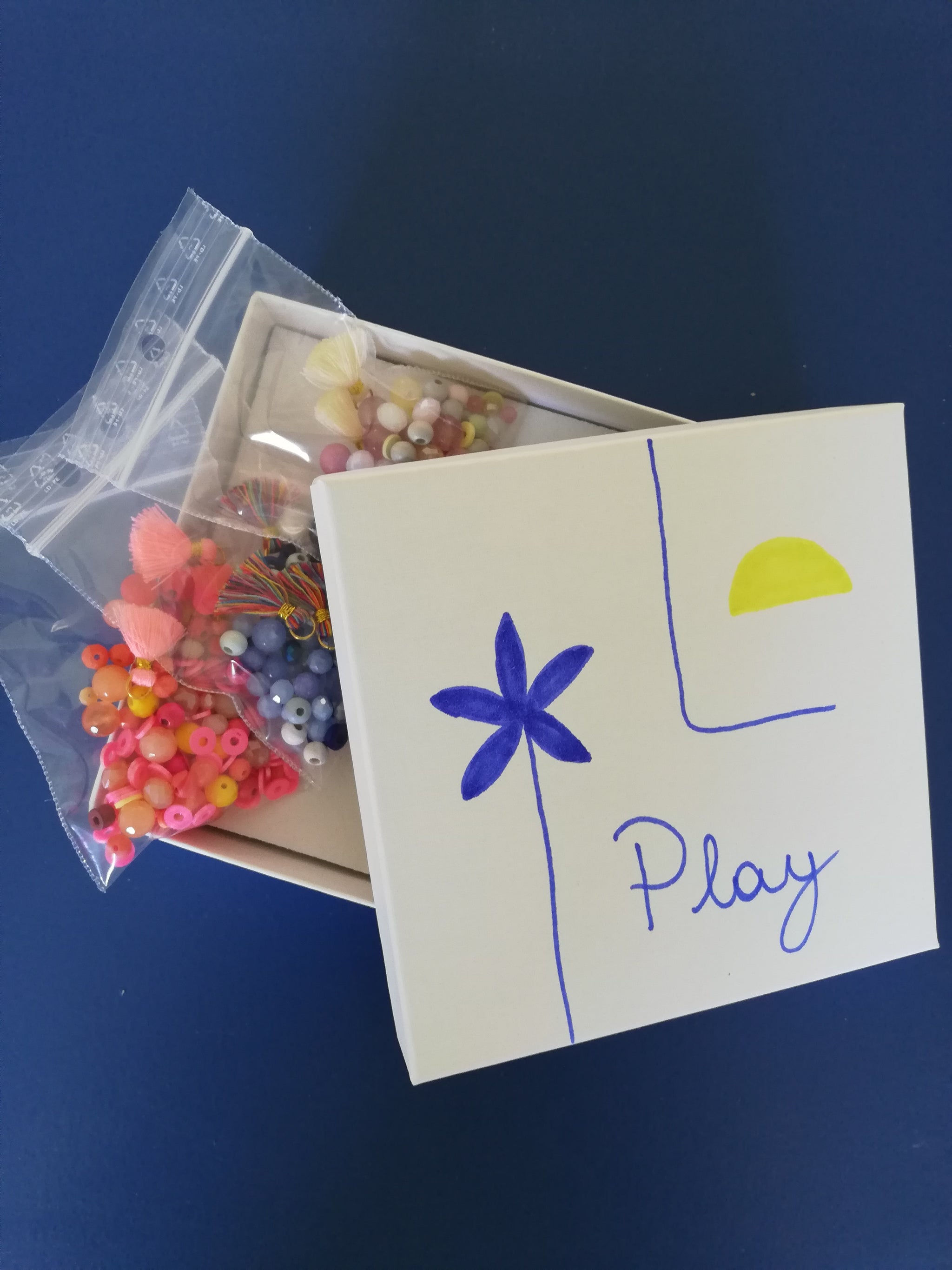 Let's PLAY! DIY-box - Souvenirs de Pomme