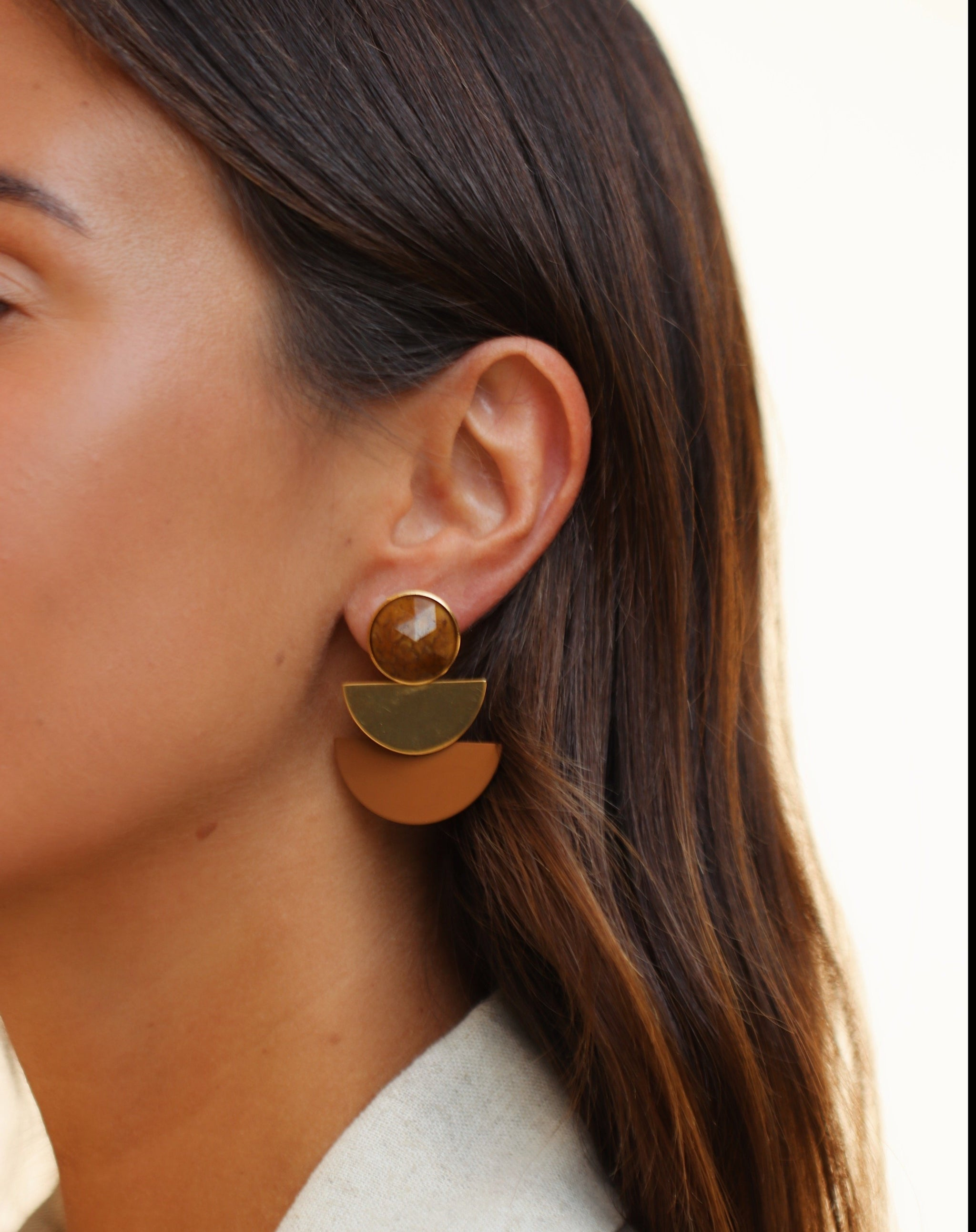 Duo moon cognac earrings