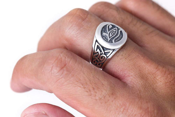 Eye of Horus Knotwork Ring 4