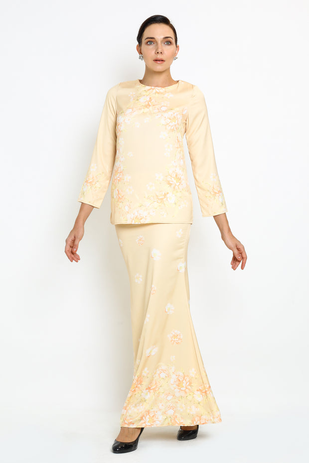 Warda Kurung In Peach