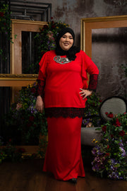 Zarina Kurung In Red
