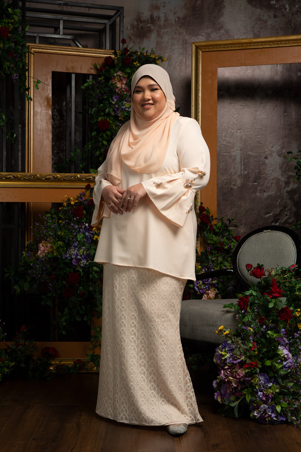Zulaikha Kurung In Cream
