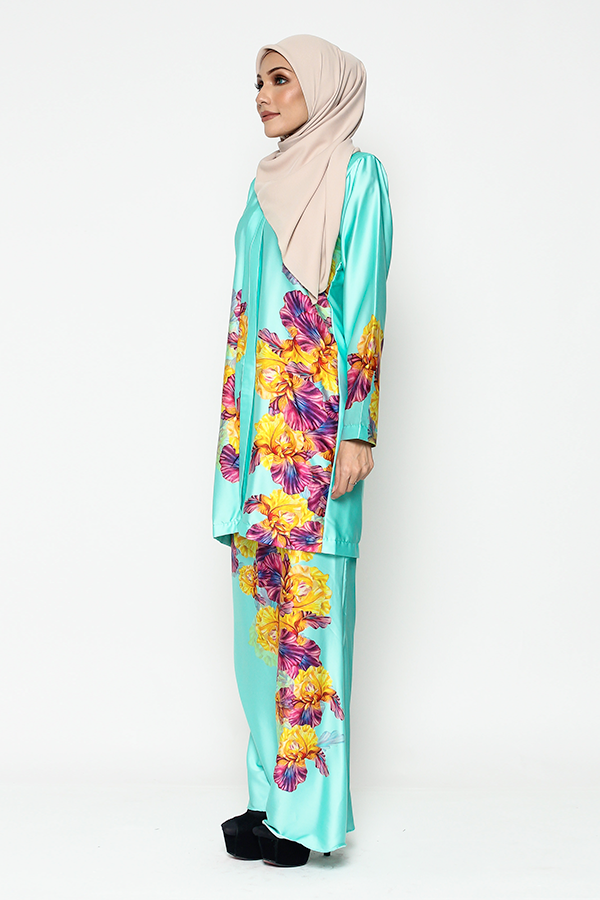 WH Kebaya Purple Bloom in Aquamarine
