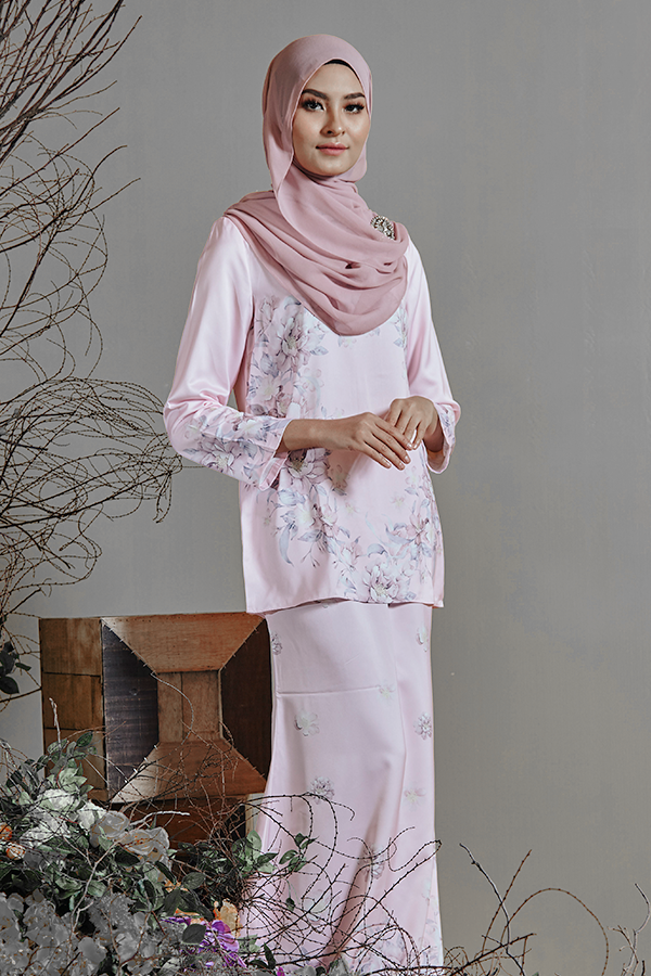 Warda Kurung In Pink
