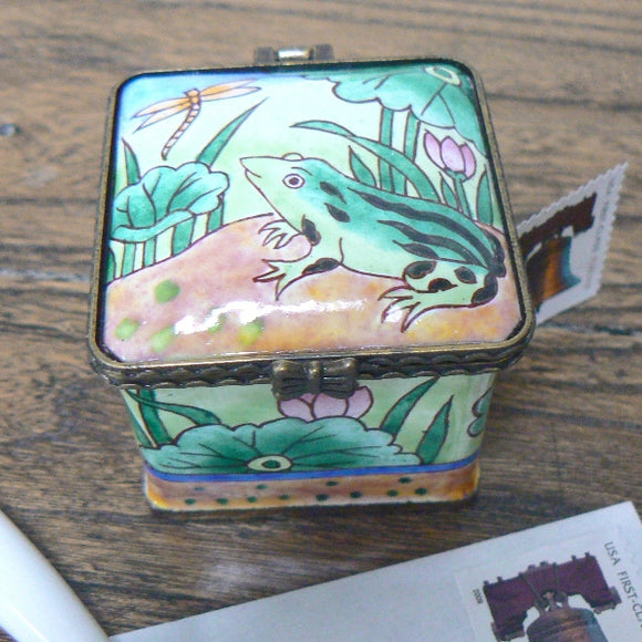 Frog Square Stamp Holder / Dispenser