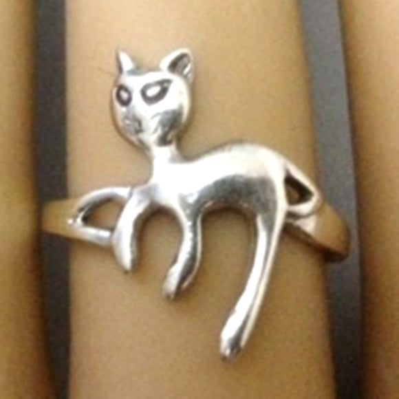 Lounging Cat Sterling Silver Ring