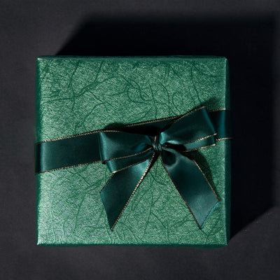 WRAPAHOLIC-Jewelry-Green-Gift-Wrapping-Paper-Dark-Green-Silking-Grain-3