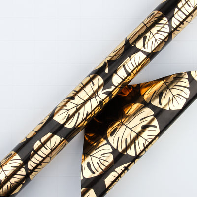 Wrapaholic- Black-and- Gold-Foil- Tropical-Palm- Leaves-Gift- Wrapping- Paper-Roll-3