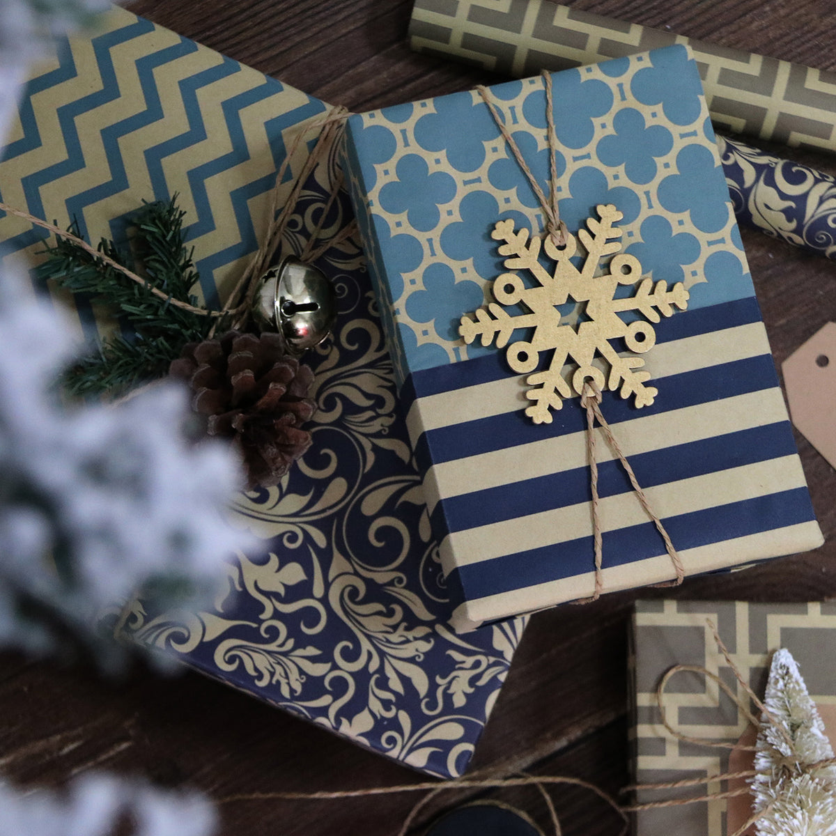 Wrapaholic-Geometry-Christmas-Holiday-Wrapping-Paper-Sheets-3