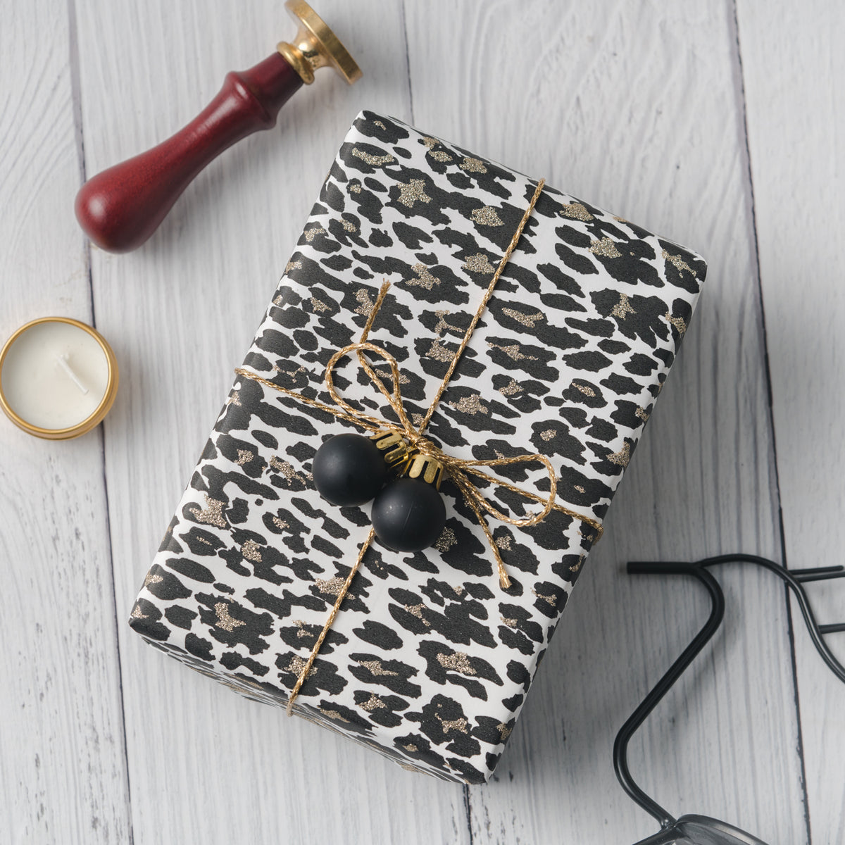 Wrapaholic-Glitter-Design- with-Leopard-Printing-Gift-Wrapping-Pape -Roll-5