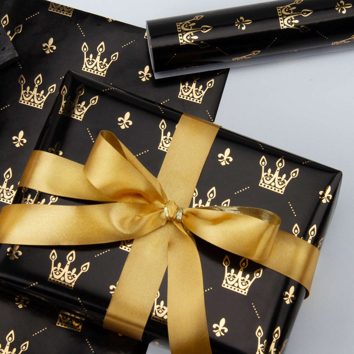 Wrapaholic-Gold-Foil-Crown-Design- with-Cut-Lines- Gift-Wrapping-Paper-Roll-4