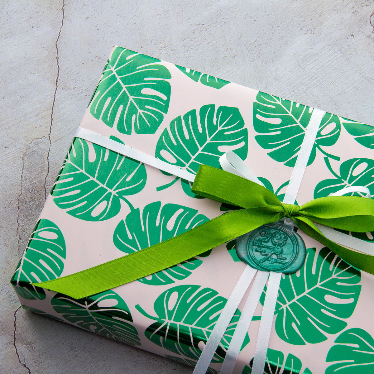 Wrapaholic-Green-Foil-Tropical-Palm-Leaves-Gift -Wrapping-Paper-Roll-5