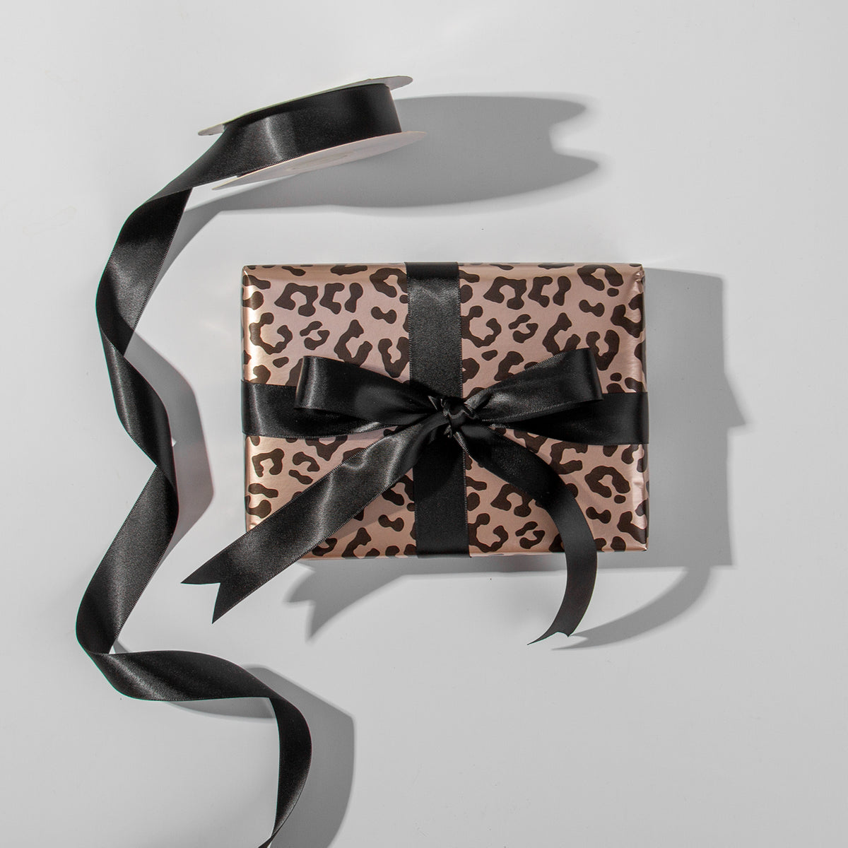 Wrapaholic- Leopard-Print Gift-Wrapping-Paper-Roll-5