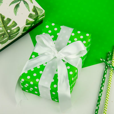 wrapaholic-dots-gift-wrapping-paper-green-reversible