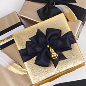 Wrapaholic-Metalic-Gift-Wrapping-Paper- Gold- Wood-Grain-4