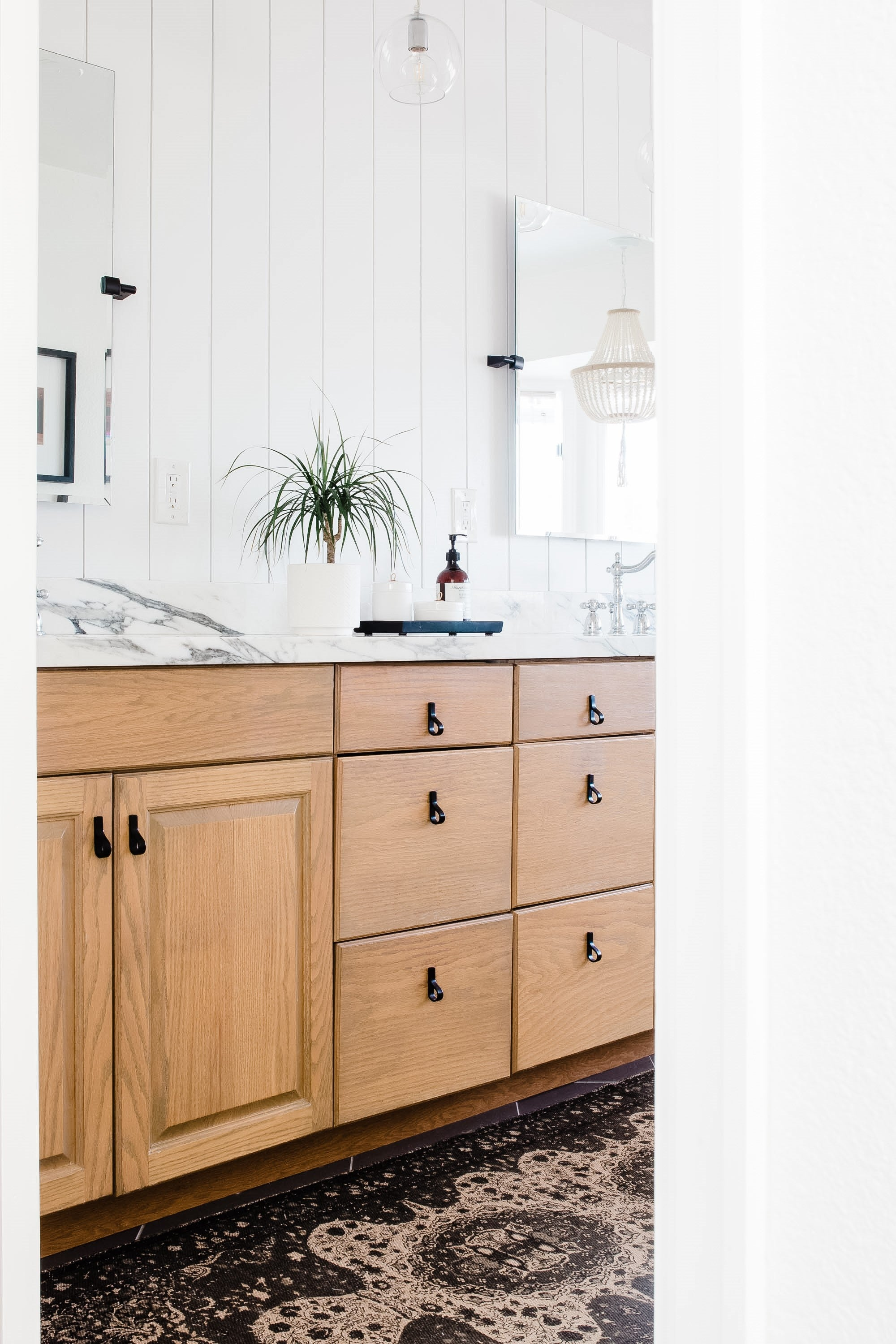 California Casual Light and Bright Neutral Organic Materials and Marble by Peggy Haddad Interiors