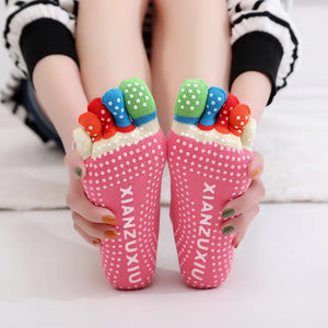 1 Pair Ladies Yoga Socks For Pilates Colorful Fitness Sports Socks Non Slip Five Finger Toe Grip Ankle Socks Women Calcetines 61