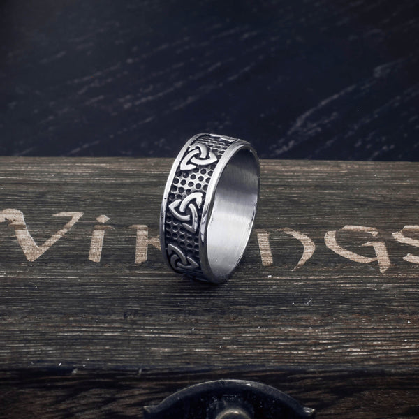 Celtic Knot Ring - Stainless Steel