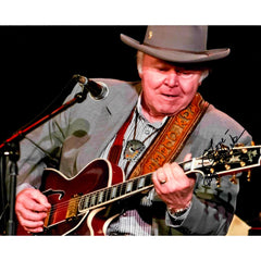 Roy Clark Signed 8x10 Photo