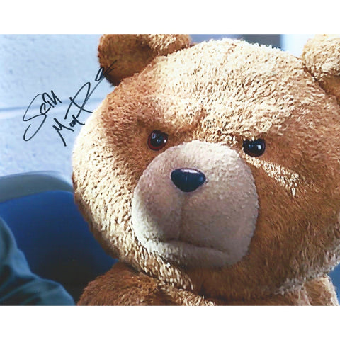 Seth Macfarlane Signed 8x10 Photo