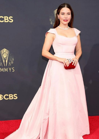 The Luxuries Jewelry Worn by Celebrities the Emmy Awards 2021