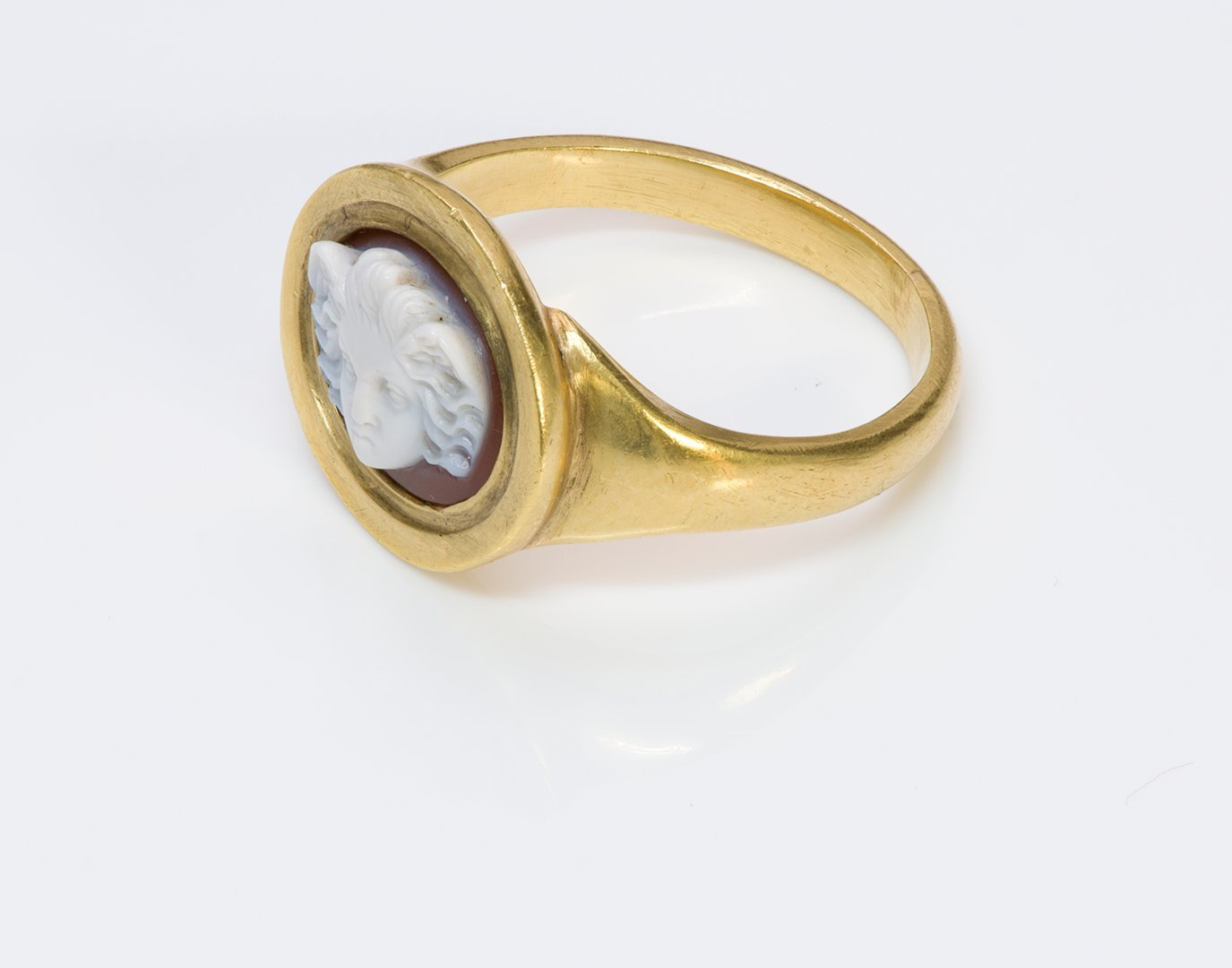 angel-cameo-antique-gold-ring