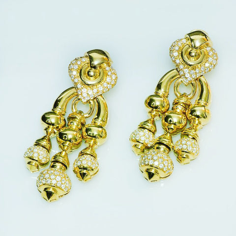 chandelier-gold-diamond-earrings