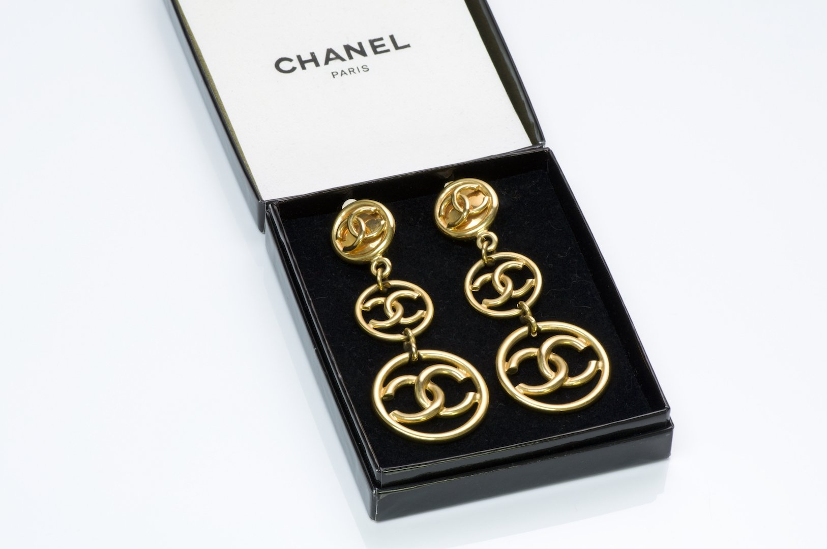 products/chanel-cc-long-earrings