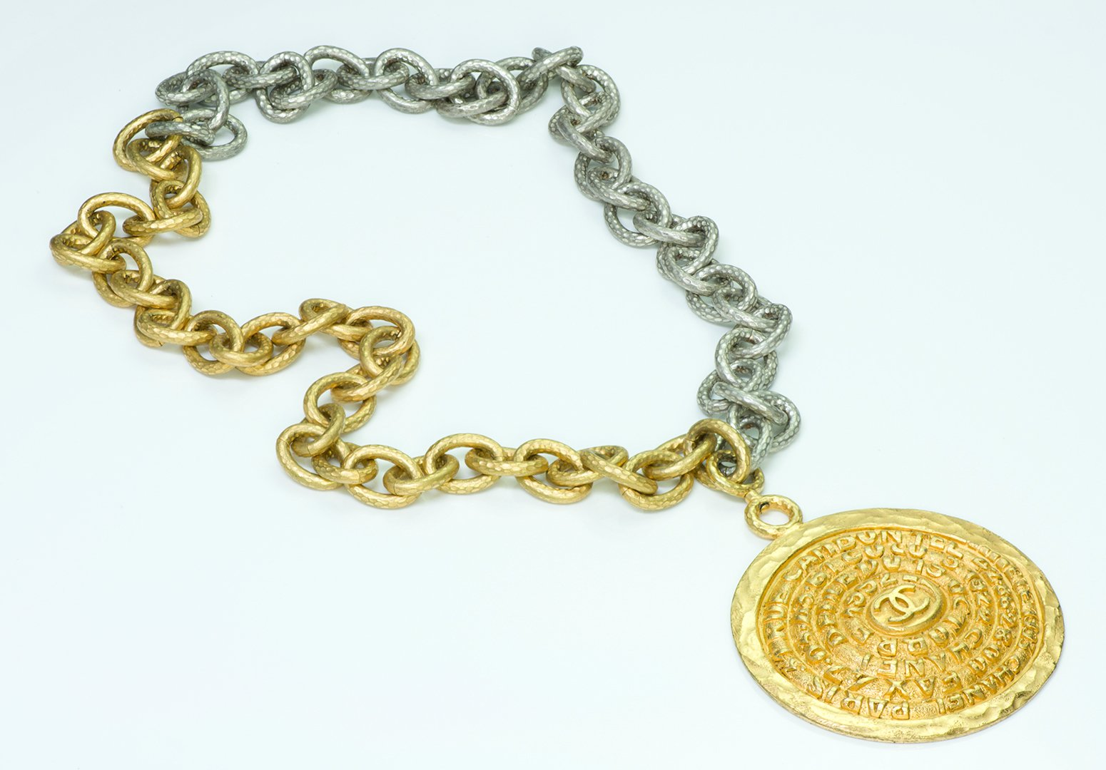 runway-chanel-chain-necklace