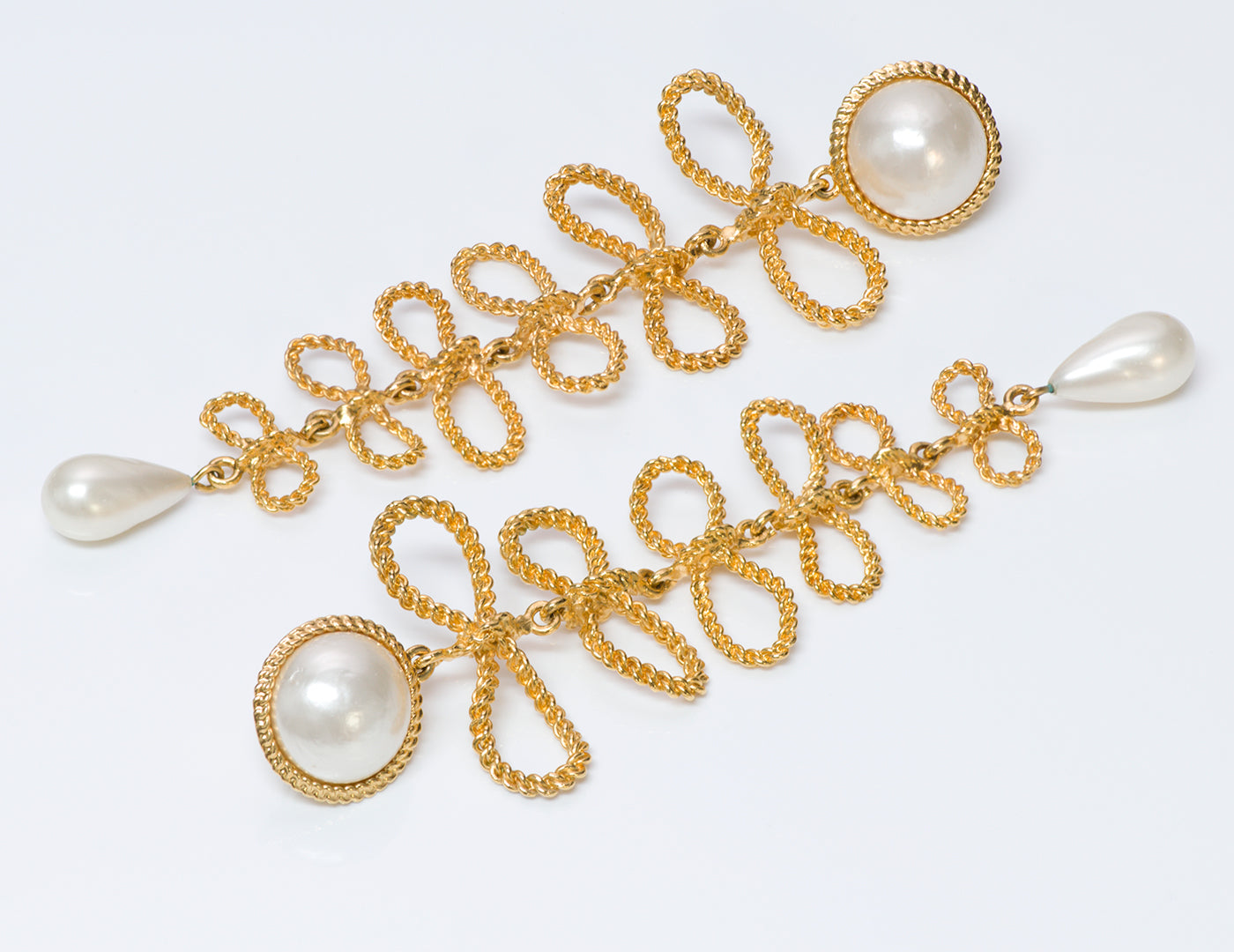 vintage-chanel-1960-s-extra-long-gold-tone-bow-pearl-earrings