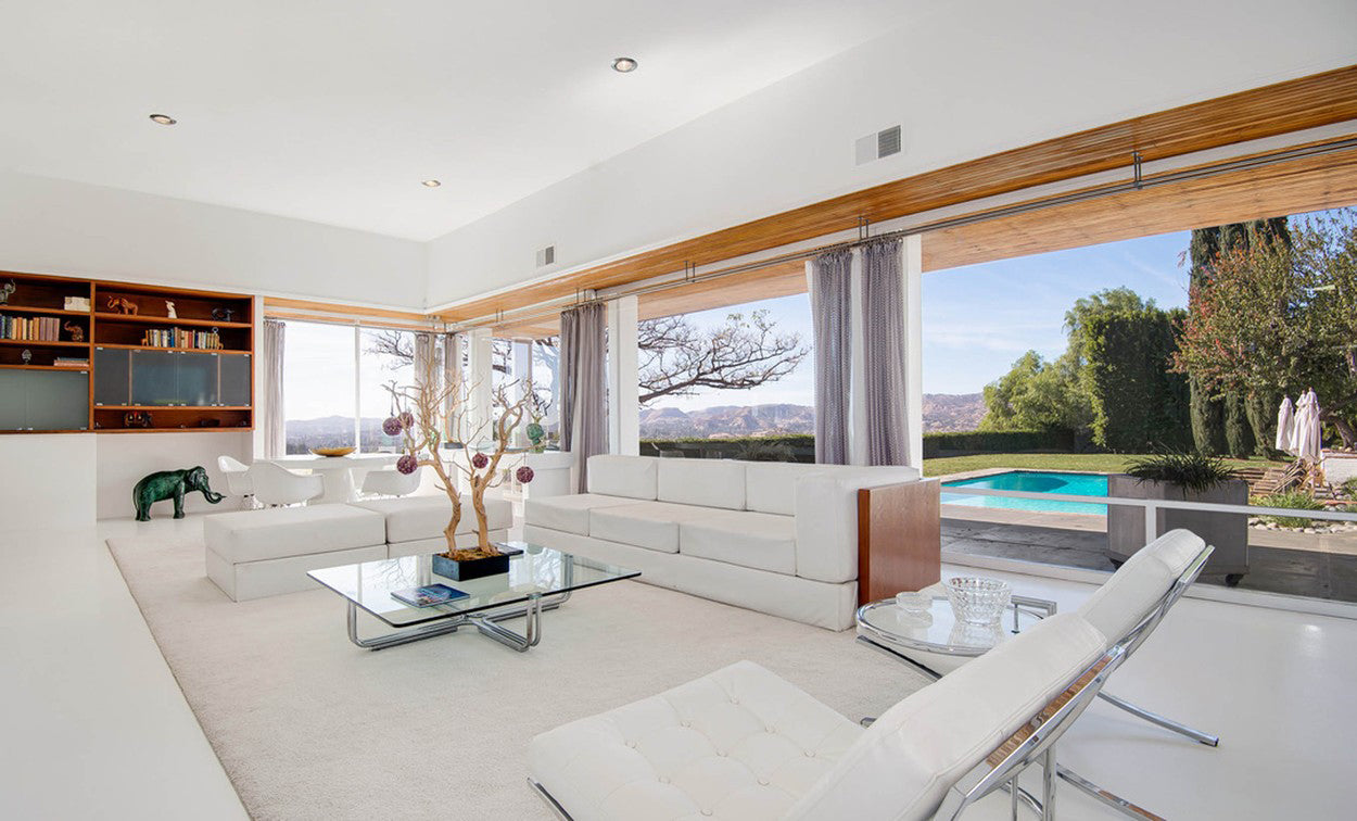 Frank Sinatra's iconic house has been put for sale